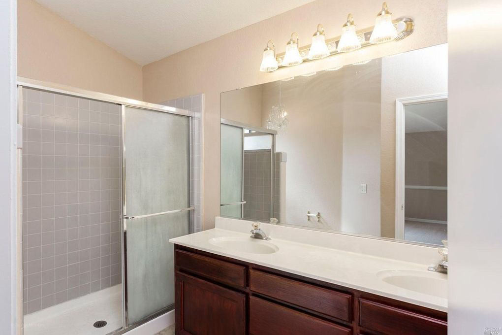 Original Bathroom Photo from MLS